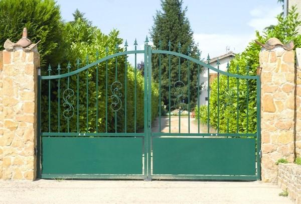 Створчатые въездные ворота
